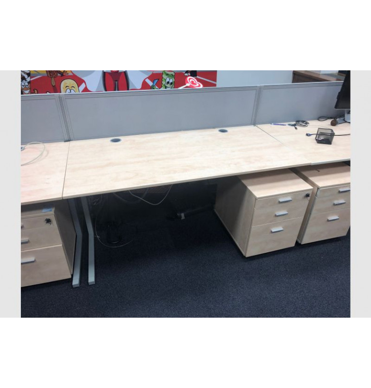 Kancelářské stoly od výrobce Techo rovné