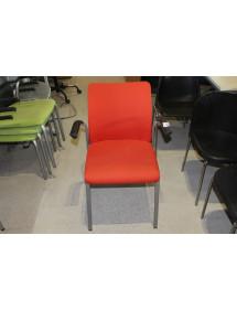 Zasadací čalúnená stolička Steelcase