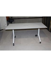 Kancelársky stôl biely na kolieskach