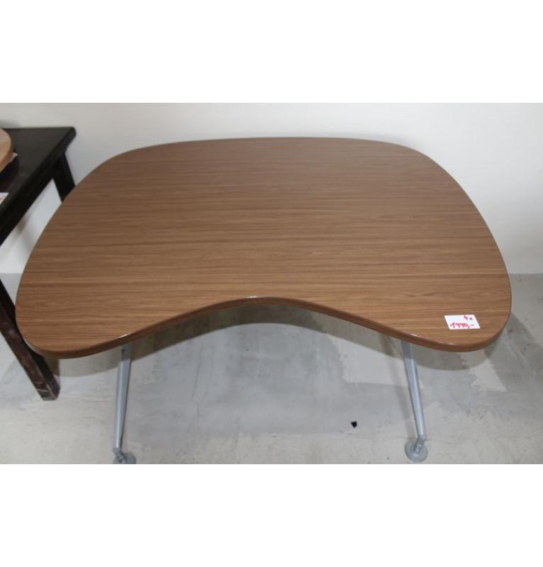 Menší kancelářský ergonomický stůl