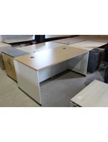 Kancelářský stůl v dekoru světlý buk