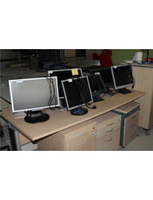 Kancelářské monitory různé druhy