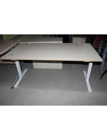 Kancelářské stoly od výrobce MDD