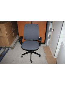Kancelářská židle Haworth kolečková