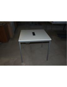 Kancelářský přísedící stůl Konig+Neurath