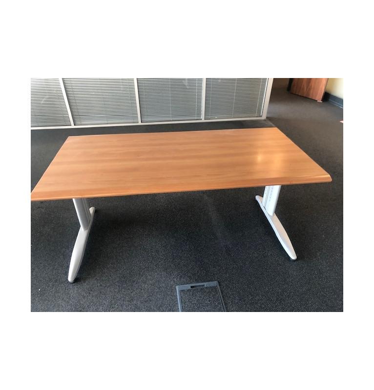 Rovný kancelářský stůl Las Mobili