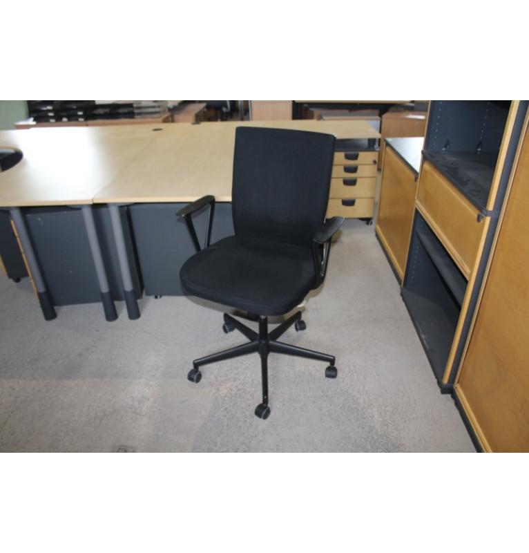Kancelárska koliesková stolička Vitra