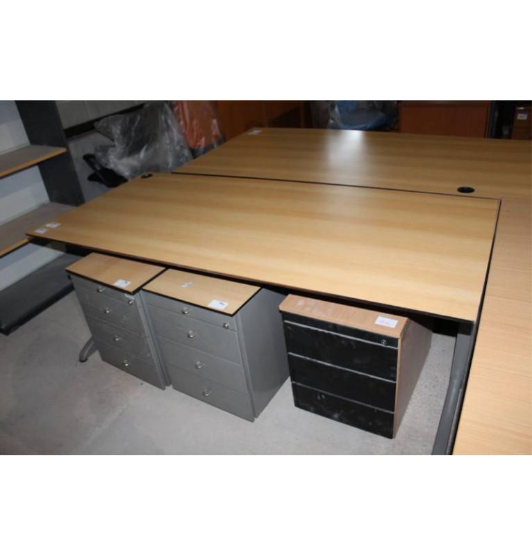 Kancelářský stůl od výrobce TECHO buk