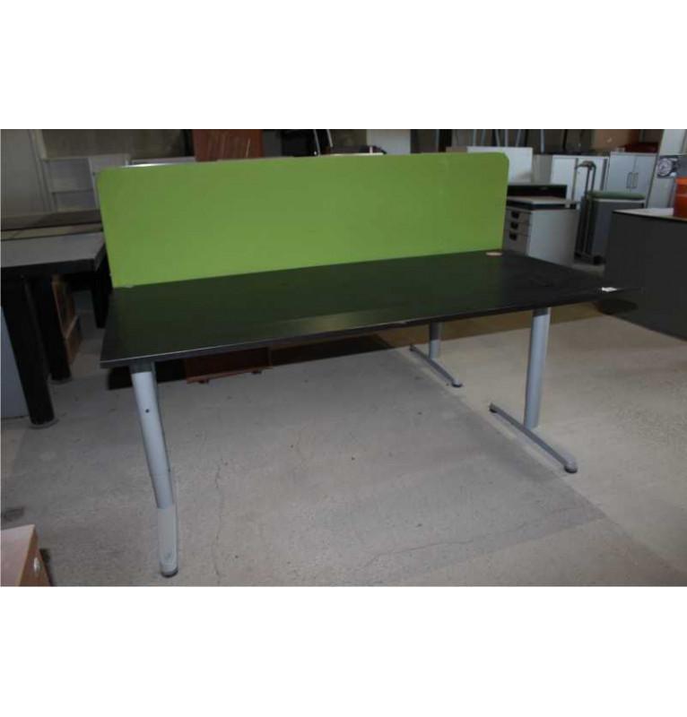 Kancelářský stůl  výrobce IKEA černý