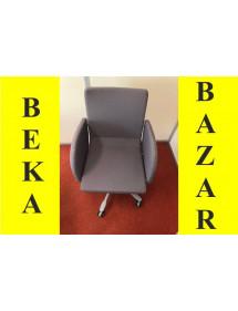 Kolečková přísedící židle Kinnarps šedá