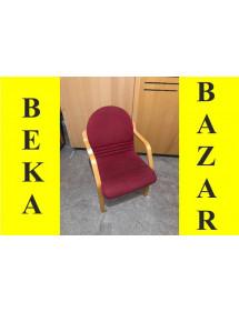 Dřevěná polstrovaná židle červená
