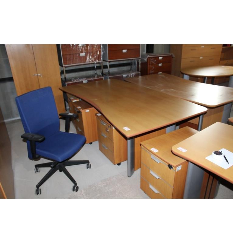 Veľký kancelársky pracovný stôl Steelcase