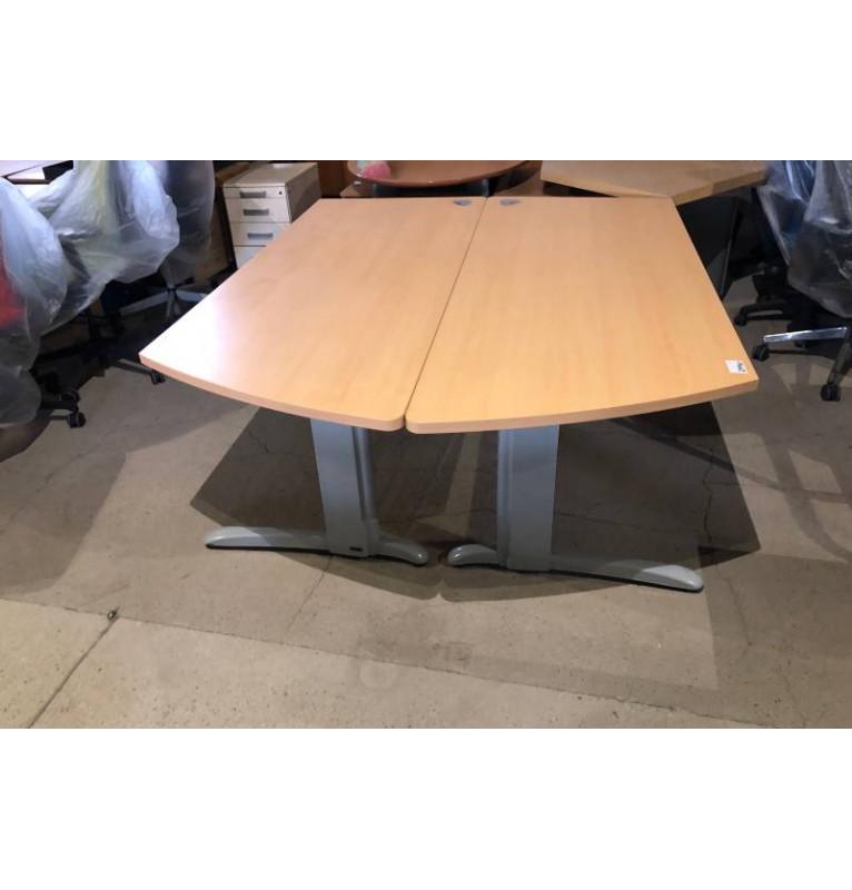 Kancelářský PC stůl Steelcase se zaoblením